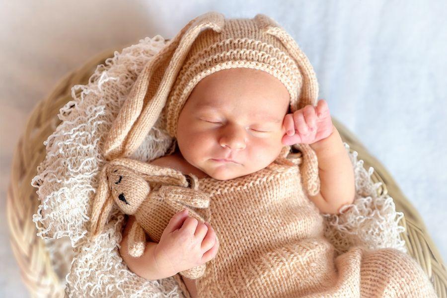 jaundzimušo fotosesija