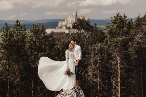 kāzu foto kalnos