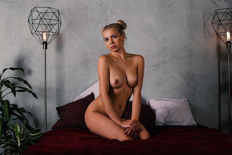 erotiska blondīnes fotogrāfija