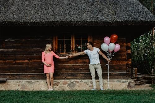 gaidību bilde ar baloniem