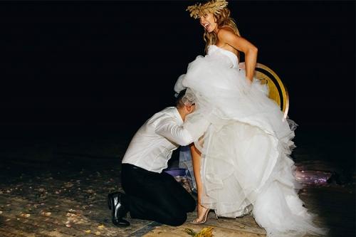 jautra kāzu bilde
