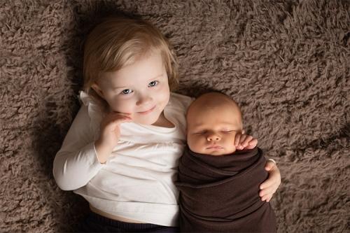 divi draudzīgi bērniņi
