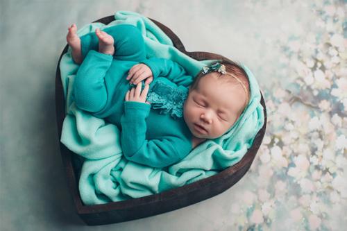 idejas guloša mazuļa fotosesijai