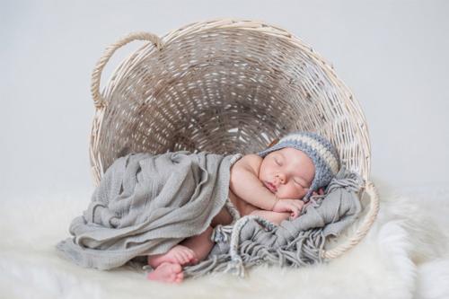 ideja jaundzimušā fotografēšanai