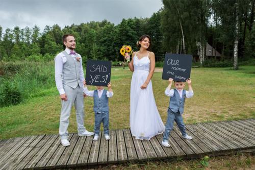 ideja kāzu foto ar bērniem