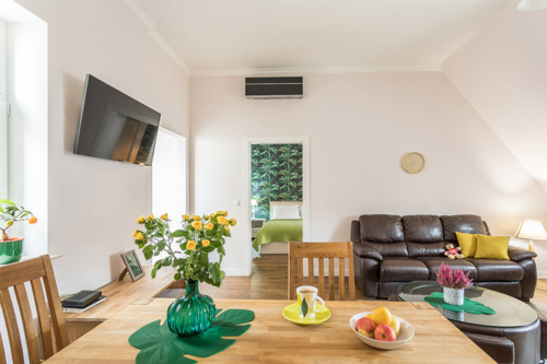 ērts dzīvojamās istabas iekārtojums