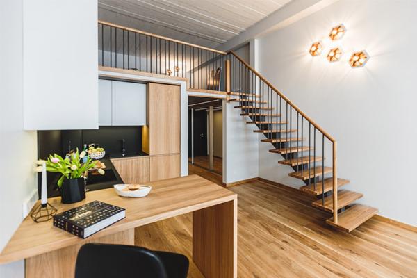skaists interjers divstāvu dzīvoklim