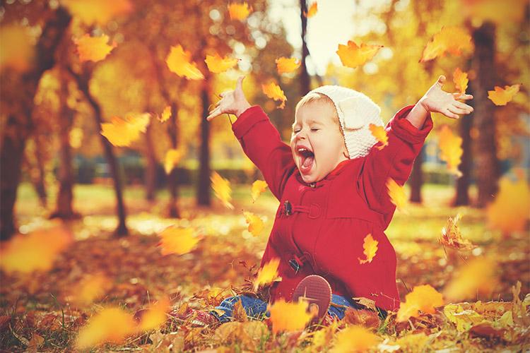 bērna fotosesija pie dabas