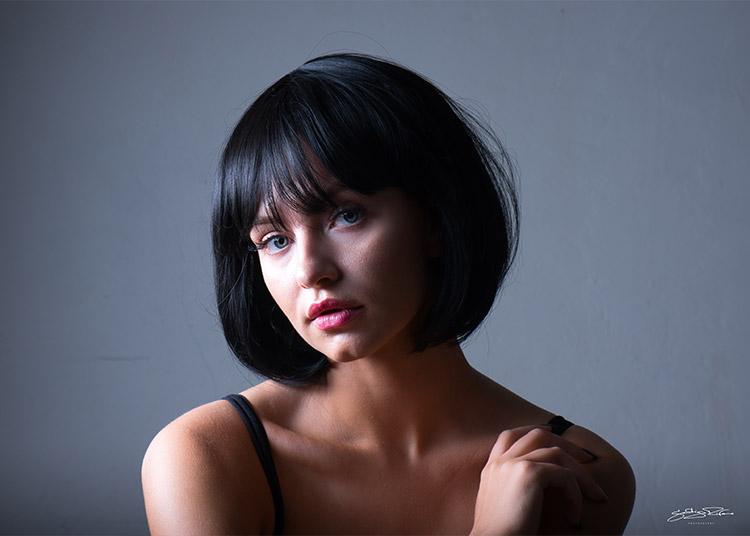 portrets profesionāla portretu fotogrāfa izpildījumā